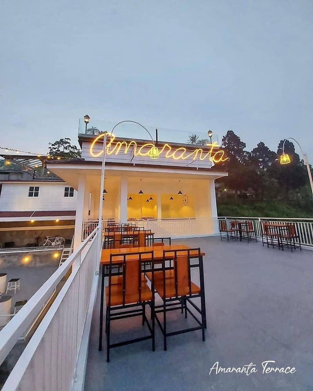 Amaranta Terrace Cafe Hits Batu