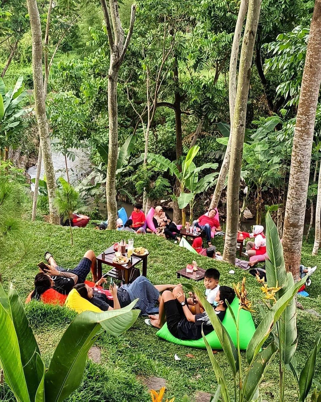 Tempat Nongkrong Cafe NK Malang