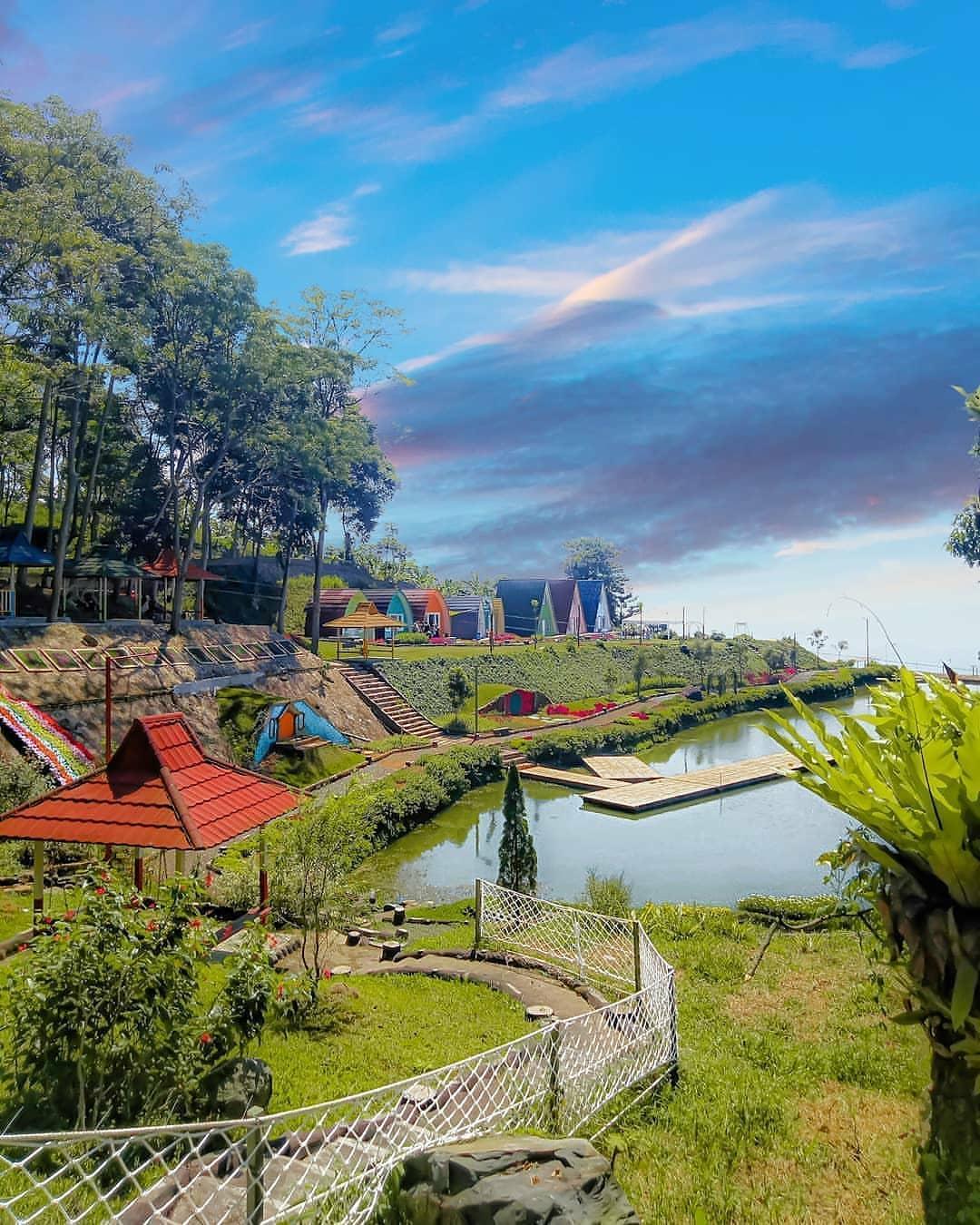 View Nirvana Valley Resort Bogor