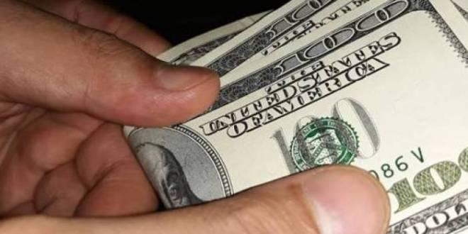 """الدولار يحّطم حاجز 2000 ليرة، """"والتعويض من جيبة المواطن """""""