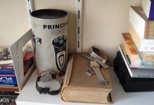 pude horloges en prehistorisch scheerapparaat