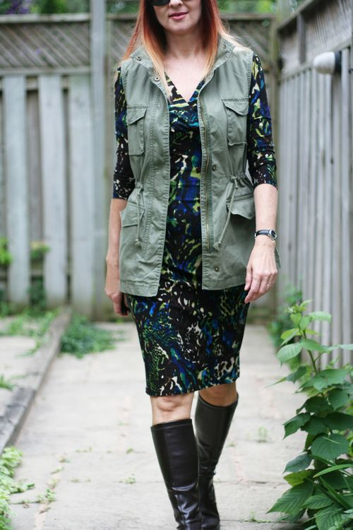 How to dress for europe when travelling suzanne carillo style files how to wear a vest