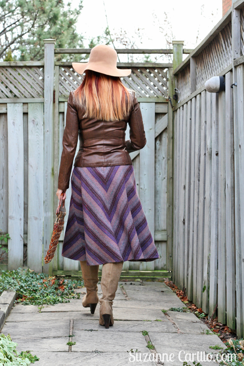 how to wear a vintage midi skirt over 40 suzanne carillo