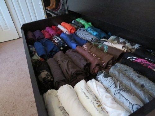 rolled t-shirts organizing