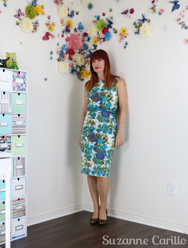 how to wear a classic 1950s vintage wiggle dress suzanne carillo style
