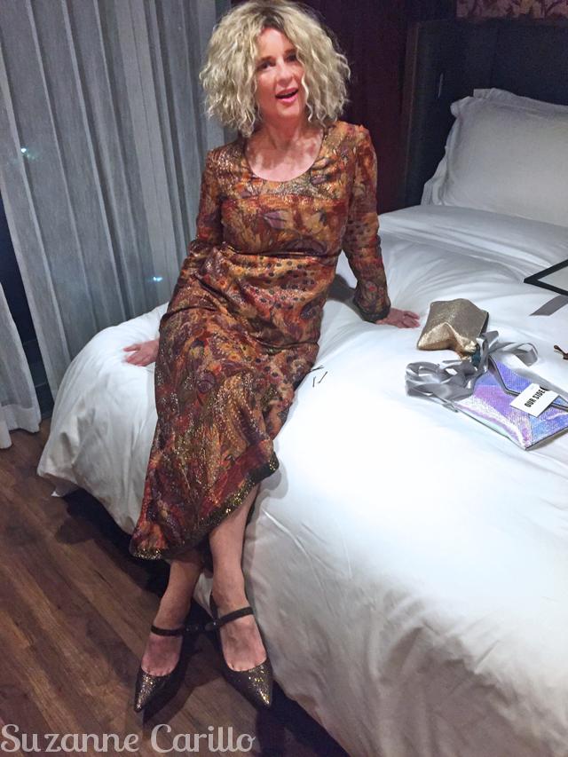 suzanne carillo style blond wig