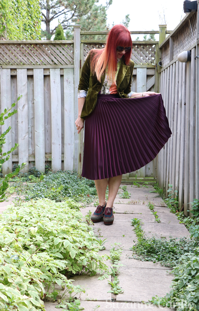 pleated skirt and velvet blazer for fall suzanne carillo