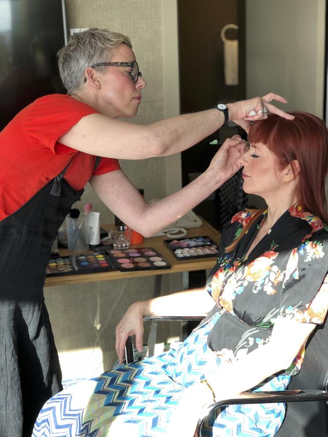 Suzy Thomas Mac makeup artist.