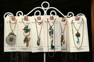 Small_necklaces500