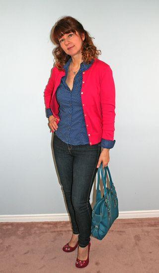 Pink_sweater_blue_shirt_side
