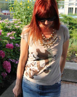 Giraffe t-shirt by tristan