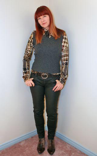 Gray sweater black wax jeans