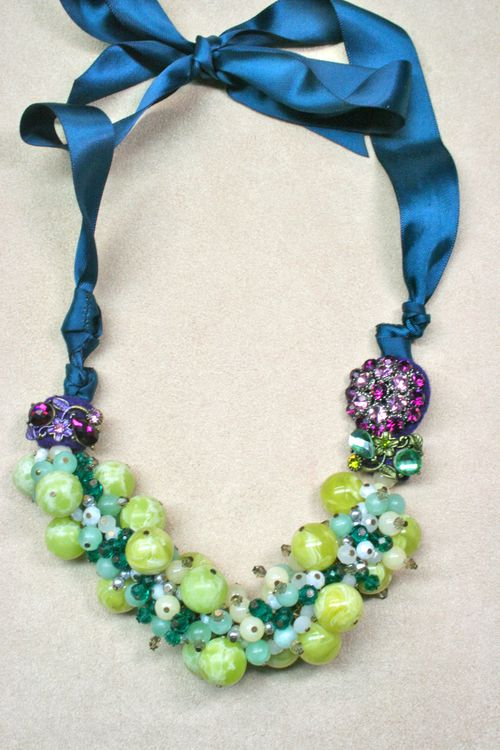 Blue green purple beaded necklace1000