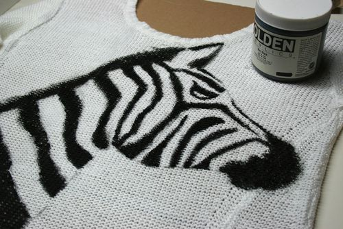 Painted zebra on sweater DIY