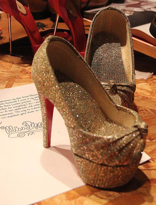 Miss piggy louboutain shoes