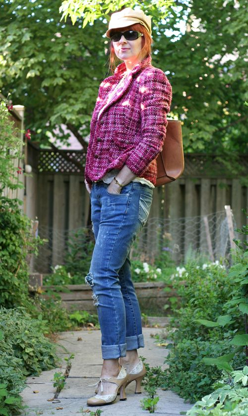 Jeans with pink tweed jacket