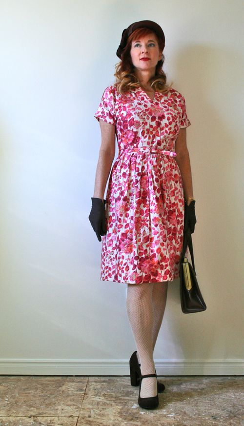 Vintage 1950s dress how to style and wear vintage clothing