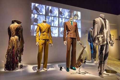 David-bowie-exhibition-costumes