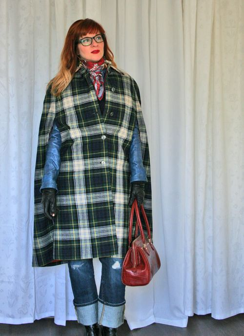 Plaid vintage 1960s reversible cape