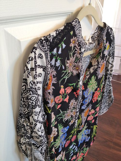 Floral anthropologie blouse