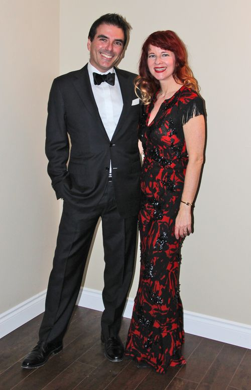 Red carpet look oscar party