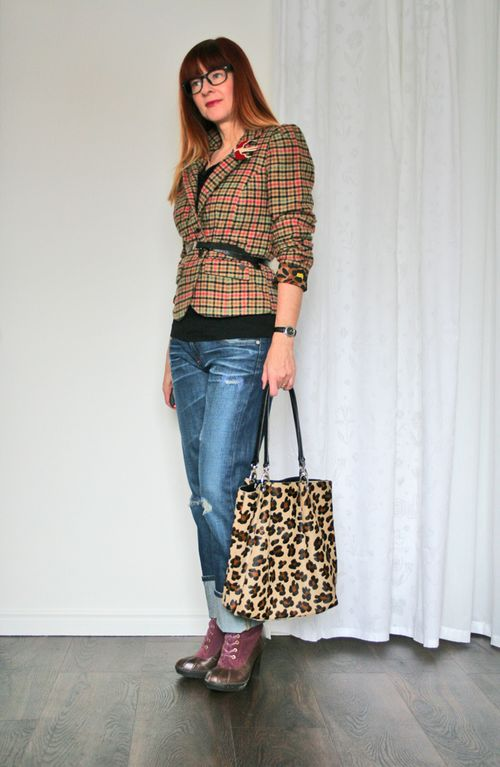 How to combine plaid and leopard