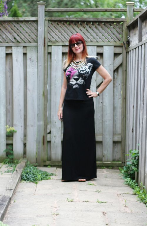 Maxi skirt style for vacation travel be comfortable look chic suzanne carillo style files