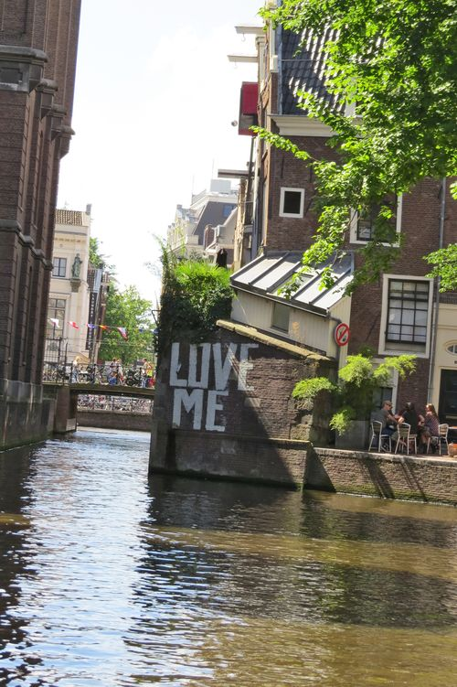 Love me graffiti amsterdam suzanne carillo style files