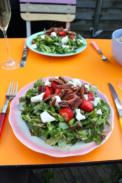 Strawberry goats cheese pecan salad suzanne carillo style files