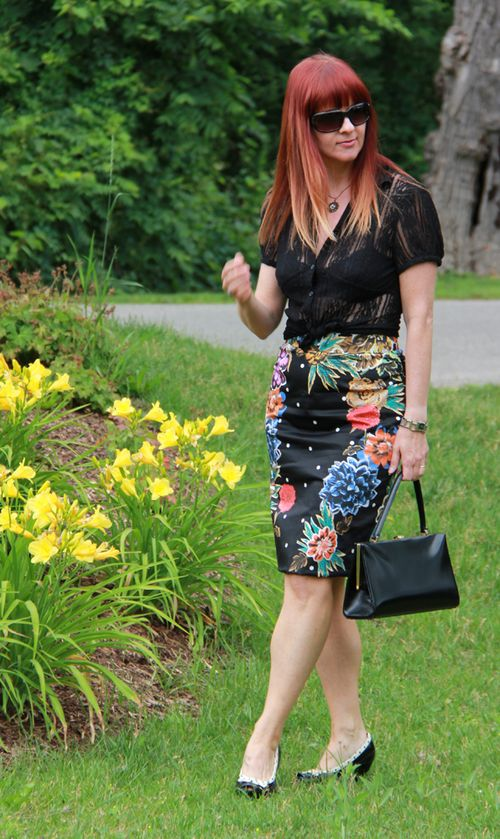 Floral anthropologie skirt