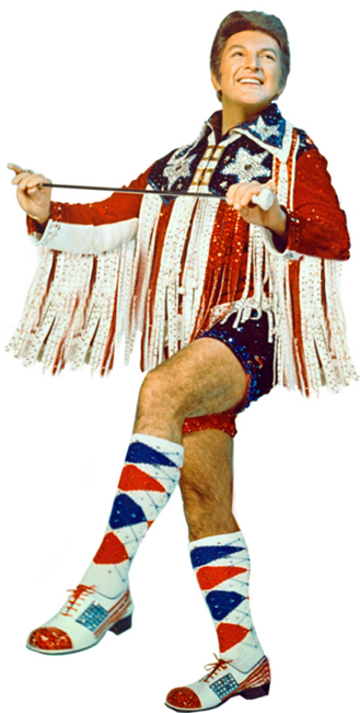 Liberace how NOT to wear sequins during the day!