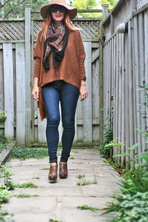Simple fall outfit how to wear booties in the autumn suzanne carillo