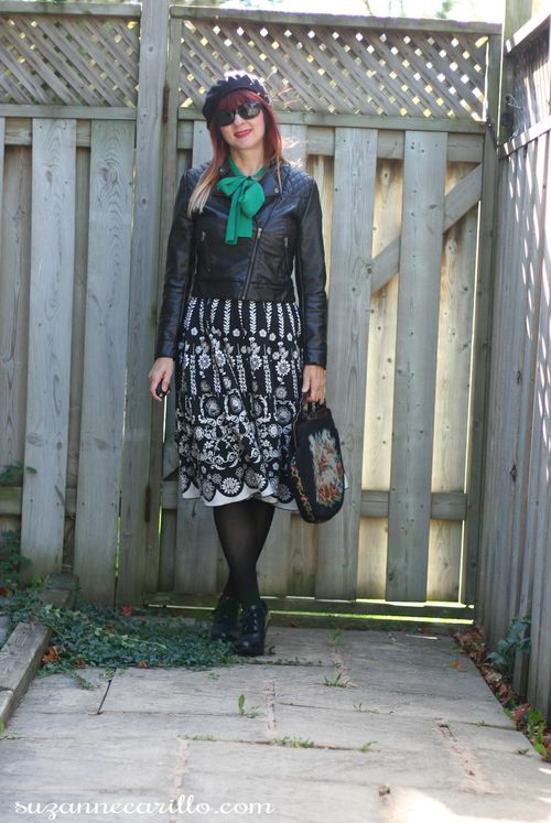 How not to take photos for your blog. How to wear vintage how to style black and white with colour