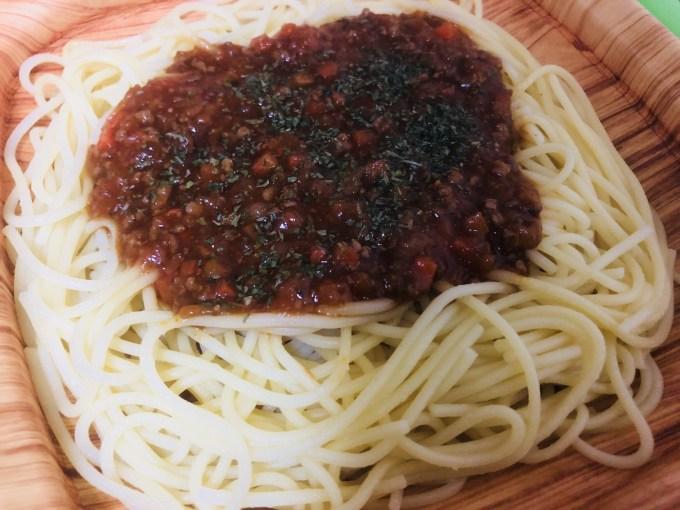 チンしたLIFEのミートスパゲッティ