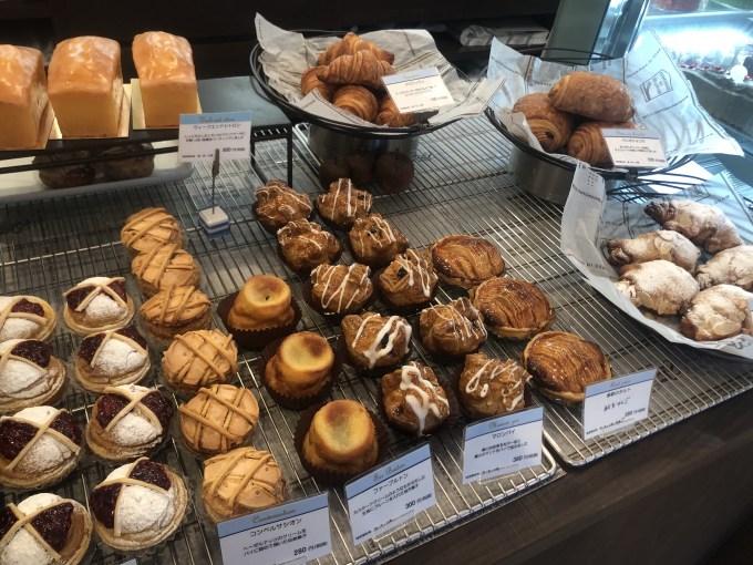 パティスリーアクイユのパンコーナー