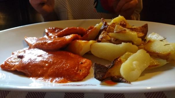 Drunken Portugese chicken and potatoes for dinner at Casa Bunicii