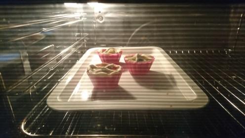 Mini quiches in the oven