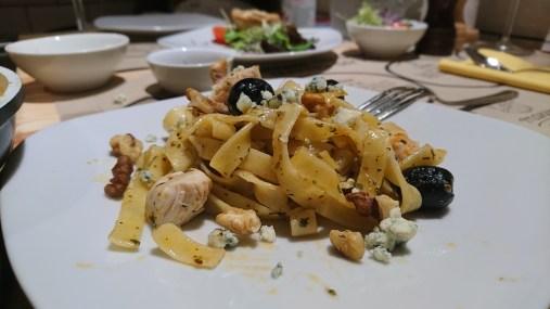 My chicken, gorgonzola and black olive pasta