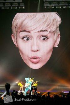 Miley Cyrus Bangerz Photography