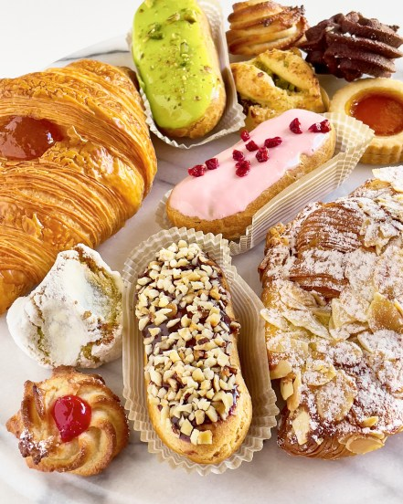 Colourful eclairs and pastries from Brunetti Classico