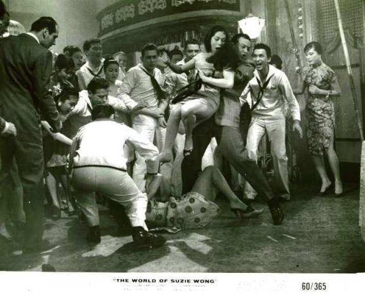 Resultado de imagen para pelea en bar de marineros