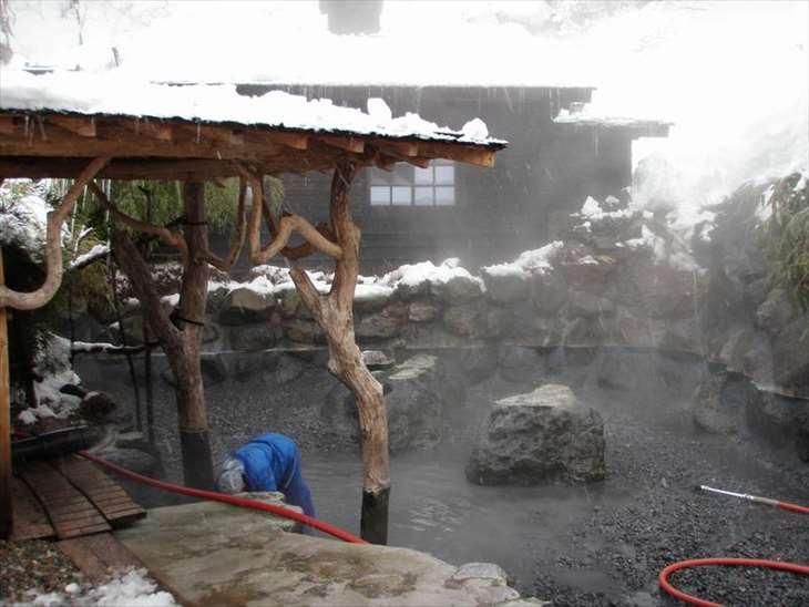 鶴の湯温泉 清掃日