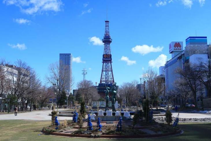 2018年3月の札幌 大通公園とさっぽろテレビ塔
