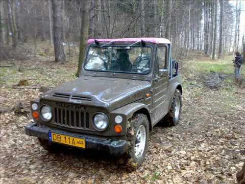 Zabytkowy Suzuki LJ80
