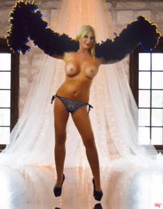 South Florida Escort | Miami-Fort Lauderdale | Sexy MILF Seductress - Black Feathers Lingerie - Roleplay - Kinky GFE