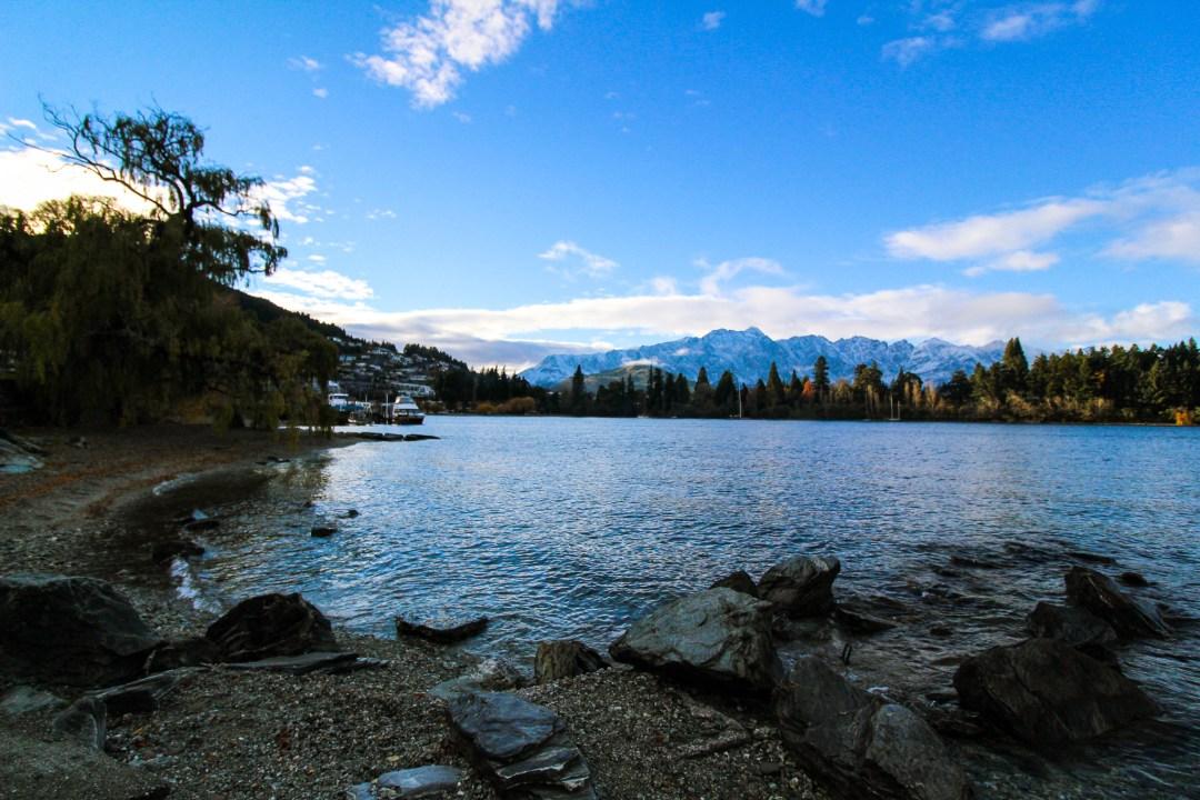 Beautiful Lakes in New Zealand - Lake Wakatipu in Queenstown