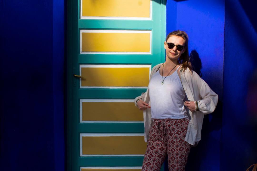 girl wearing loose blouse in Marrakech