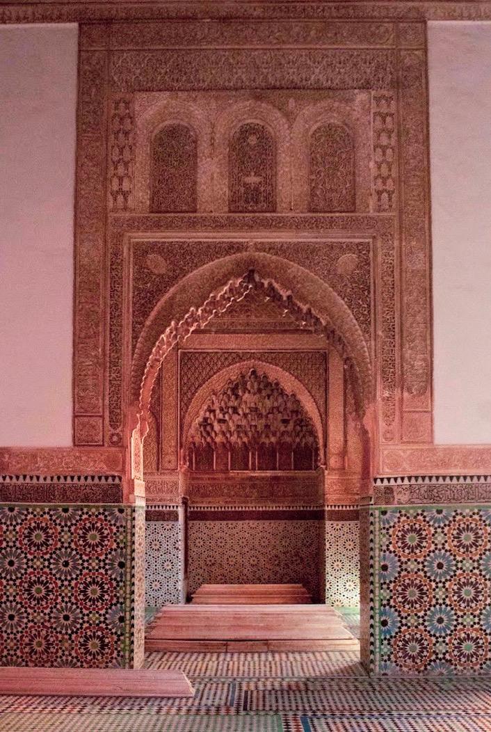 saadian tombs in marrakech archways