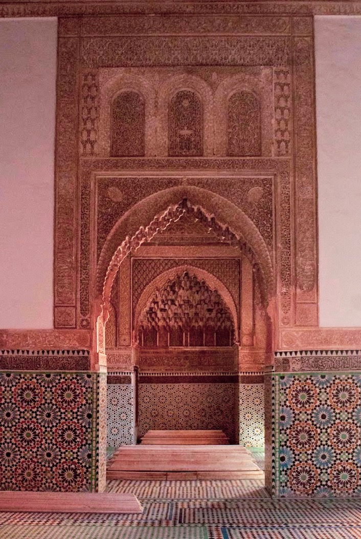 saadian tombs in marrakech archways