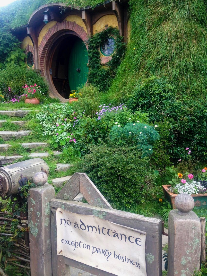 gate and door to hobbit house in Hobbiton NZ